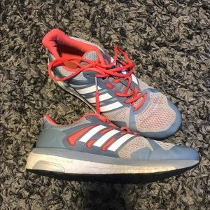 Women's Adidas Boost Shoes Size 8.5